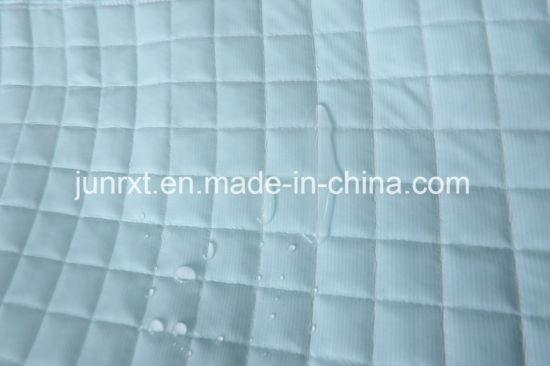 High Quality Silk Polyester Blue String Cool Feeling Air Layer Waterproof Mattress Protector with White Knitted Fabric